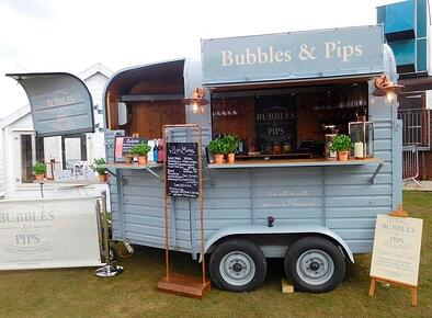 Horsebox trailer bars to rent - Bubbles & Pips