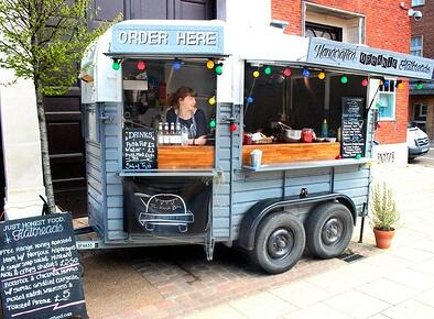 Horsebox Trailer Bar rental - Organic Flatbreads